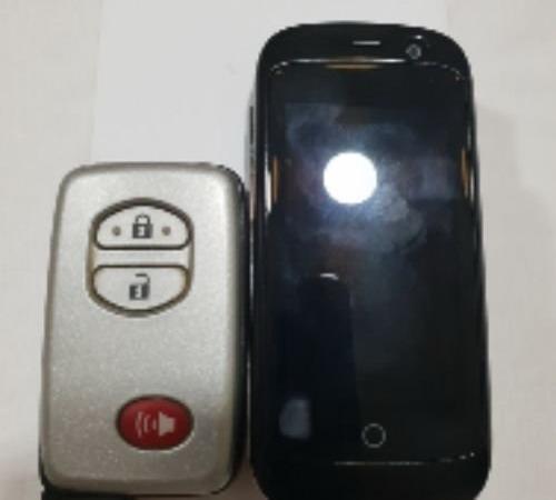 للبيع اصغر تلفون 4G في العالم