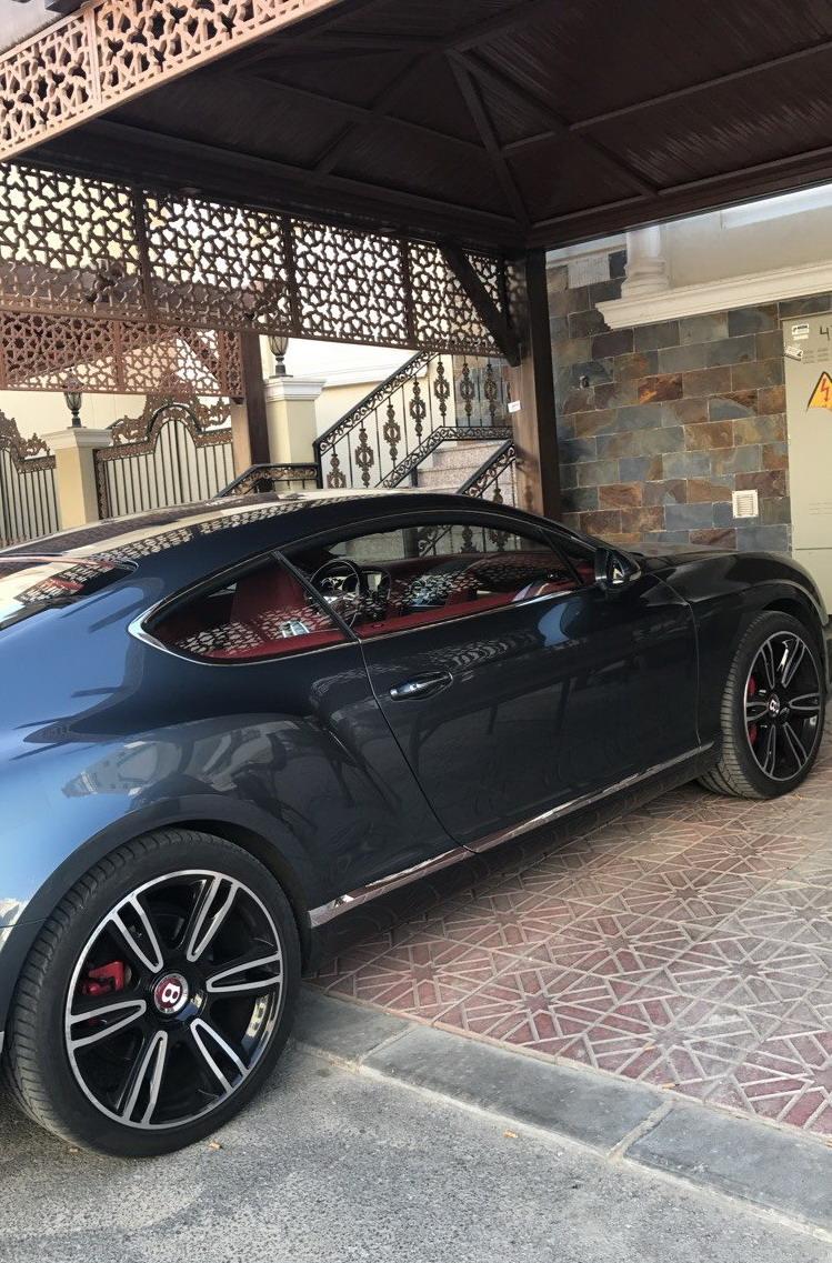 بنتلي GT موديل 2015 ماشي 44 الف